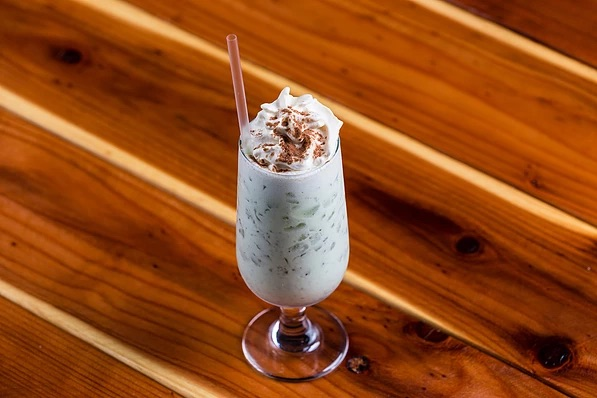 mint chocolate monk shake vodka cocktail